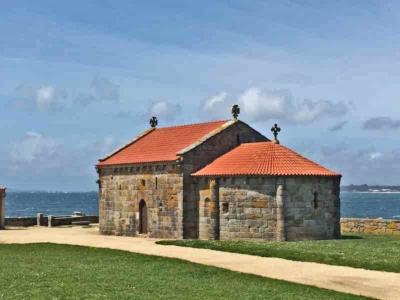 Kapel van A Lanzada, een bezienswaardigheid in Galicië