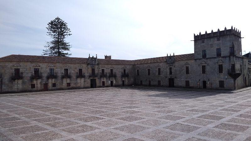 Praza Fefiñáns in Cambados