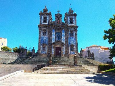 De San Idefonso kerk in het centrum van Porto